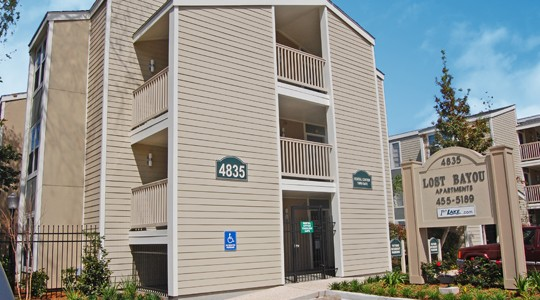 Lost Bayou Apartments In Metairie La Studio 1 2 Bedroom Apartments For Rent 1st Lake