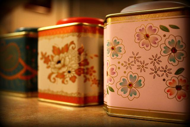 vintage-tea-tins